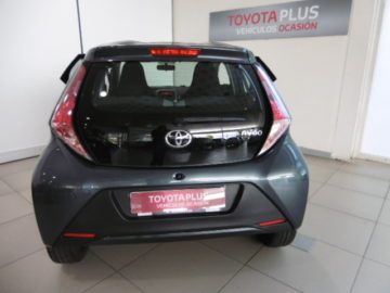 AYGO 1.0 VVTI i-xplay bussines